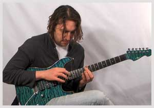 Lick of the week no. 23 - String Skipping/Tapping