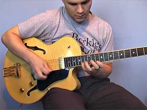 Lick of the week no. 1 - II V I in D major