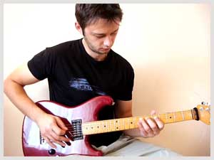 Lick of the week no. 6 - Diminished Tapped Arpeggios